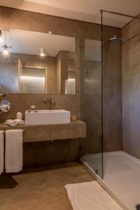 A bathroom at Kirimizi Hotel & Restaurante
