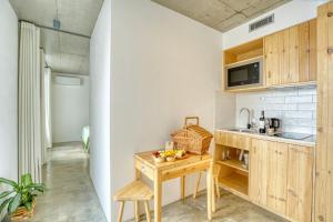A kitchen or kitchenette at Socalco Nature Calheta