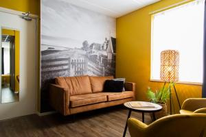 A seating area at Strandhotel Vigilante