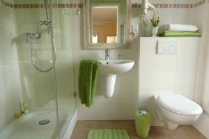 A bathroom at Hotel Villa Verde