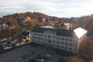 Blick auf GreenLine Schlosshotel Blankenburg aus der Vogelperspektive