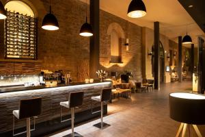 Ein Restaurant oder anderes Speiselokal in der Unterkunft GreenLine Schlosshotel Blankenburg