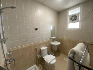 Um banheiro em Ghalia Uhod