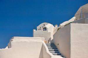 A balcony or terrace at Canaves Oia Suites & Spa