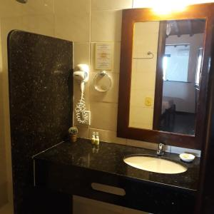 A bathroom at Pousada Vila do Sol