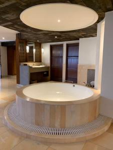 A bathroom at Alila Fort Bishangarh Jaipur - A Hyatt Brand