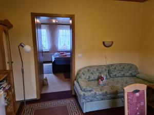 Ein Sitzbereich in der Unterkunft Haus Doris