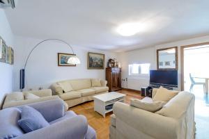 A seating area at Villa Dubrovnik Platinum A Beautiful 5 Bedroom Villa Sea Views Gym Sauna Indoor Pool