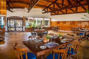 A restaurant or other place to eat at SUN CITY ROTA DAS EMOÇÕES BY NOBILE