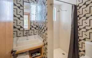 A bathroom at Casa Decu