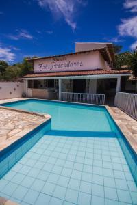 A piscina localizada em Pousada Três Pescadores ou nos arredores