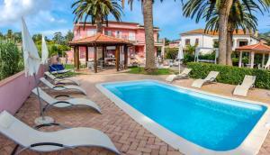 The swimming pool at or near Hotel Villa Rosa