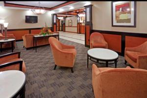 The lounge or bar area at Comfort Inn & Suites Dallas Medical-Market Center