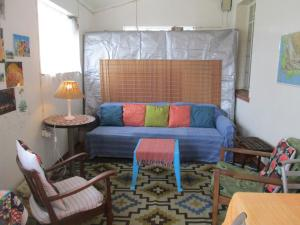 A seating area at Lighthouse Farm Backpackers Lodge