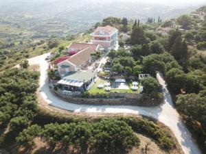 Vista aerea di Forestata Village