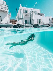 Piscine de l'établissement Mykonos Princess Hotel - Preferred Hotels & Resorts ou située à proximité