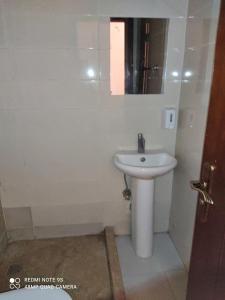 حمام في Abdeen Palace Hostel