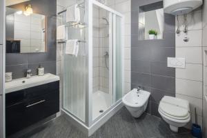 A bathroom at Urban Premium Apartments
