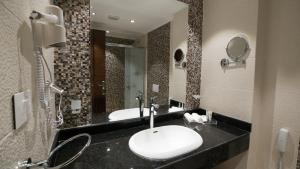 حمام في Golden Jewel Hotel