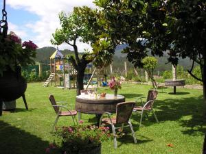 Jardín al aire libre en Casa A Chairiña y A Revolta