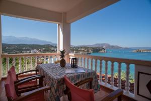 Μπαλκόνι ή βεράντα στο Villa Dina Apartments