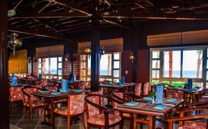 Een restaurant of ander eetgelegenheid bij Coral Beach Resort Montazah (Ex. Rotana)