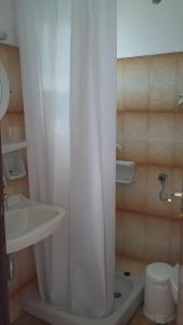 A bathroom at Rita's Rooms