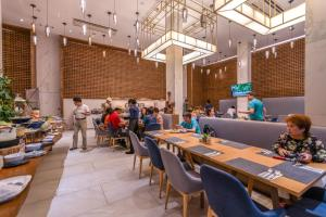 مطعم أو مكان آخر لتناول الطعام في منتجع وينتري سيتي