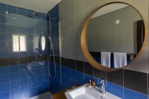 A bathroom at Omali São Tomé