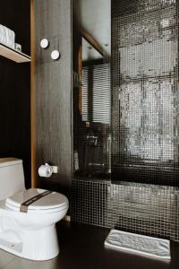 A bathroom at The Click Clack Hotel Bogotá