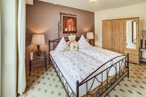 Een bed of bedden in een kamer bij Landhaus Zimmermann