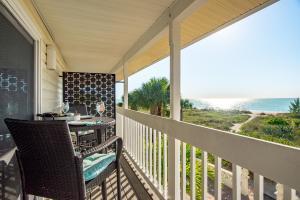 A balcony or terrace at Casey Key Retreat