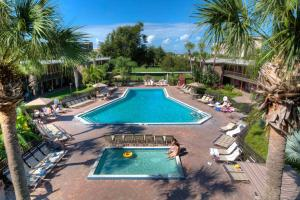 A view of the pool at Rosen Inn International Near The Parks or nearby