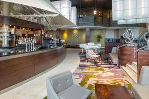 A restaurant or other place to eat at Crowne Plaza Glasgow, an IHG Hotel