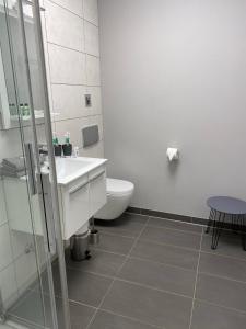 A bathroom at Hotel Kellermann