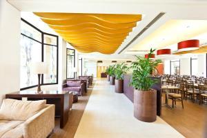 Um restaurante ou outro lugar para comer em Hotel Panamby Guarulhos