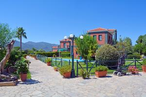 Ο χώρος παιχνιδιού για παιδιά στο Kalloni Beach Villas