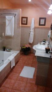 A bathroom at Pazo de Bendoiro