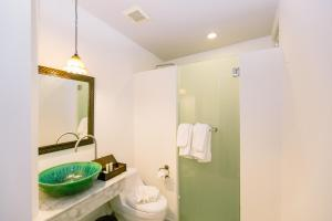 A bathroom at The Memory at On On Hotel - SHA Plus
