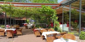 A restaurant or other place to eat at Parkhotel Wienburg Münster