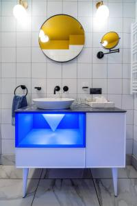 A kitchen or kitchenette at Kapu$ta Hotel