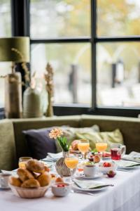 Breakfast options available to guests at Sporthotel & Resort Grafenwald Daun - Vulkaneifel