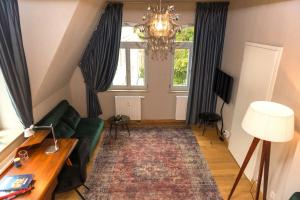 A seating area at Apartmenthaus am Dom