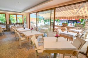 A restaurant or other place to eat at Boutique Hotel Santa Maria