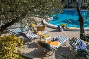 Бассейн в Hotel La Residence & Idrokinesis или поблизости