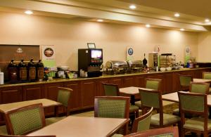 A restaurant or other place to eat at Country Inn & Suites by Radisson, Tucson City Center, AZ