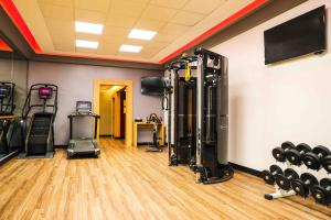 The fitness center and/or fitness facilities at Paris Marriott Champs Elysees Hotel