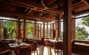 A restaurant or other place to eat at One&Only Mandarina