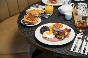 Breakfast options available to guests at Crowne Plaza Chester, an IHG Hotel