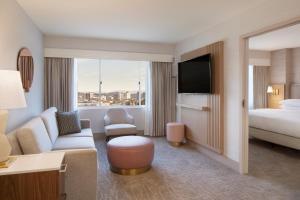 A seating area at Hilton Santa Monica
